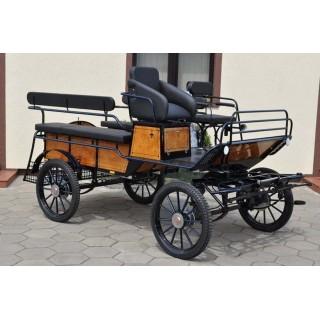 véhicule attelage cheval pour handicapés