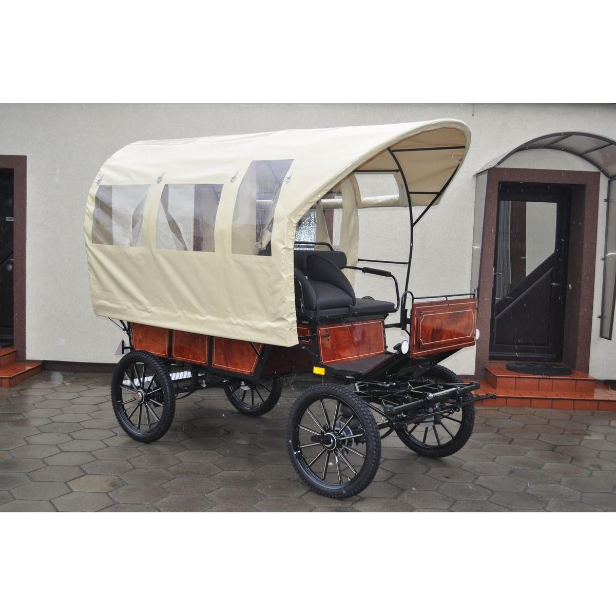 Wagonnette d'attelage avec toit
