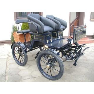 voiture d'attelage école pour poney ou chevaux