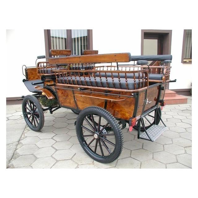 voiture hippomobile wagonnette pour atteler des chevaux. Black Bedroom Furniture Sets. Home Design Ideas